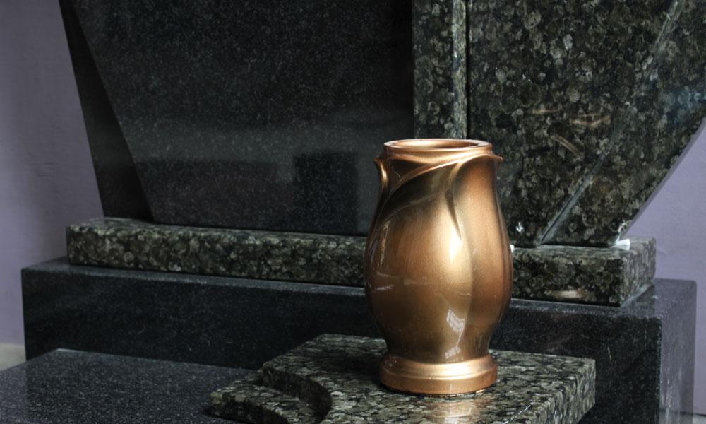 Цены на памятники в гомеле цены ладан цена на памятники оренбург йодомарин